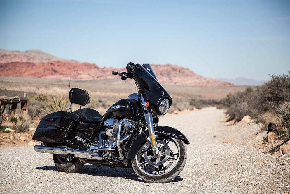 2016 Harley-Davidson Street Glide Special first ride - RevZilla