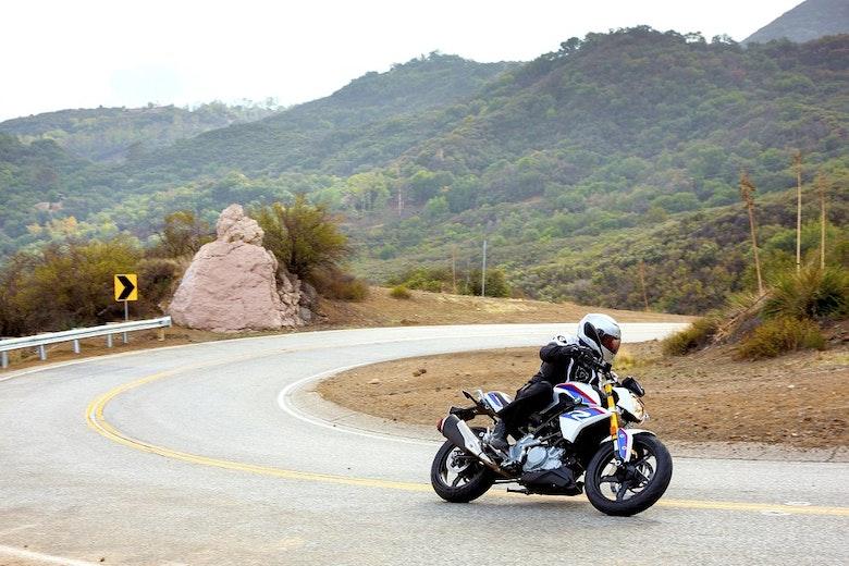 BMW G 310 R в горах Санта-Моники