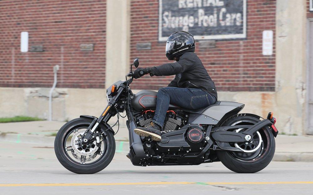 Black//Charcoal Sz M Stance Harley Davidson Sunglass Eagle Women/'s Socks
